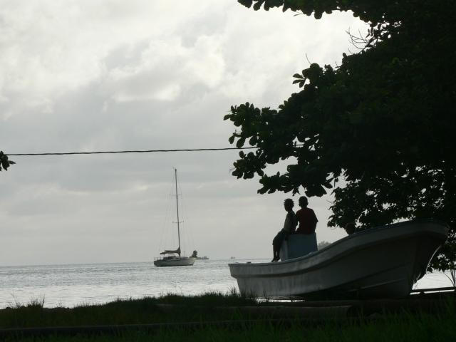 אי באמצע האוקיינוס